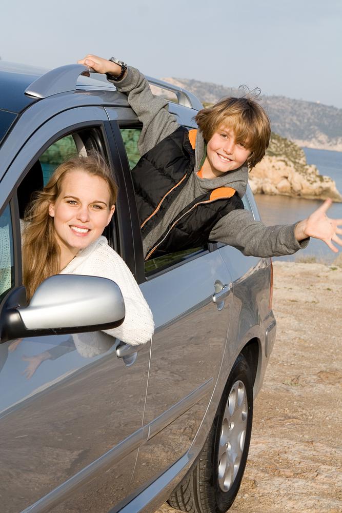 Wenn Sie als Zusatz auch einen Kfz Assistance Vertrag bei Ihrem Autoversicherer abgeschlossen haben, dann bekommen Sie Pannenschutz auch auf einer Reise im Ausland. Fast alle Versicherer haben auch eine Telefonhotline zur Verfügung.