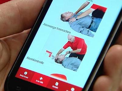 """Die """"Drive & Help App""""  für Android-Geräte, iPhone und iPod beinhaltet zahlreiche Hilfen wie einen Bremswegrechner, einen Unfallcoach, ein Notlicht, Notfallnummern und Trainingsmöglichkeiten für Erste-Hilfe-Maßnahmen."""
