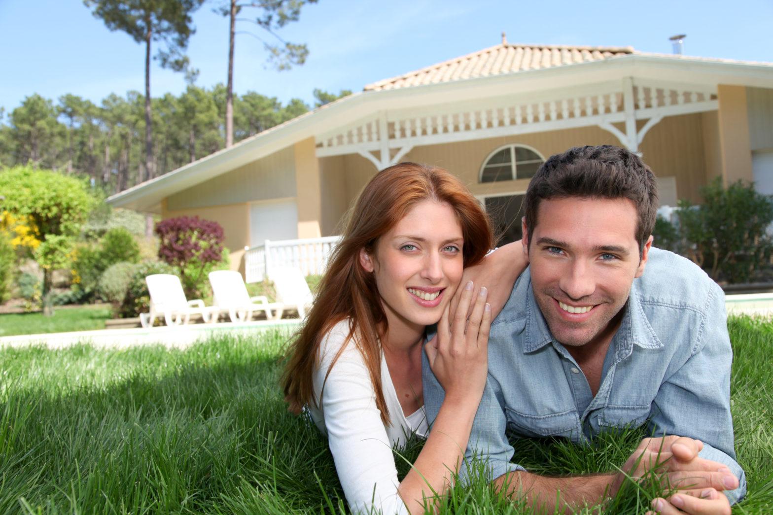 In der Regel beinhaltet die Eigenheimversicherung bereits einen Haus- und Grundbesitzer-Haftpflichtschutz.