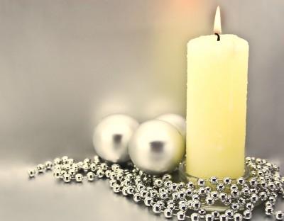 Brandgefahr durch Kerzen in der Weihnachtszeit