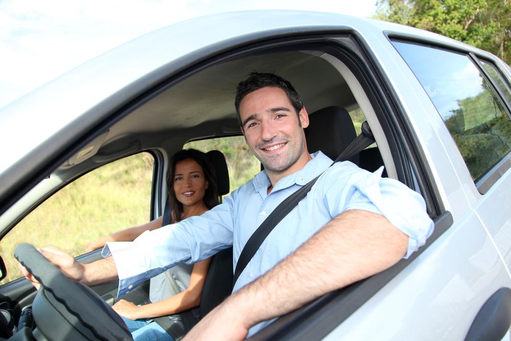 Prämienvergleich für zwei FahrerInnen im Alter von 25 und 30 Jahren