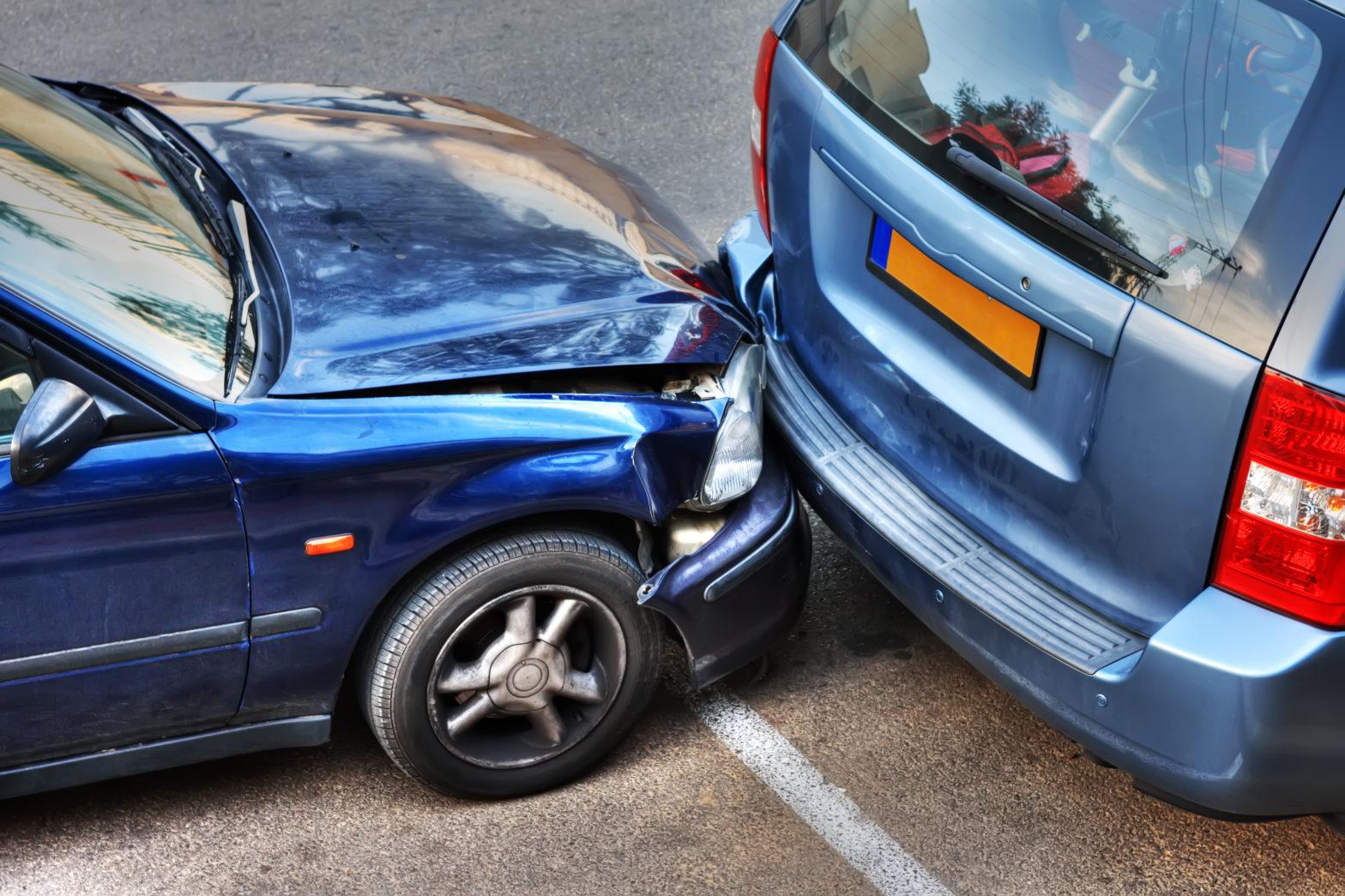 """Die """"grüne Karte"""" und der europäische Unfallbericht sollten auf Auslandsreisen nicht fehlen."""
